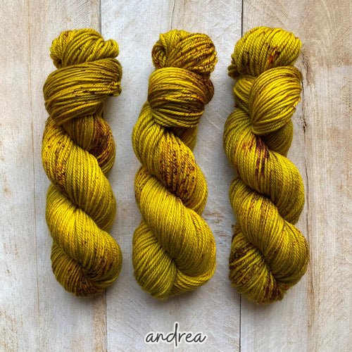 ANDREA by Louise Robert Design | MERINO WORSTED hand-dyed speckled yarn