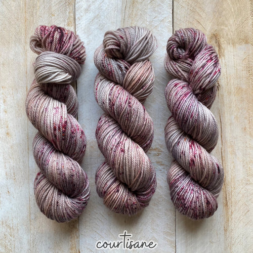 COURTISANE by Louise Robert Design | MERINO WORSTED hand-dyed Speckled yarn