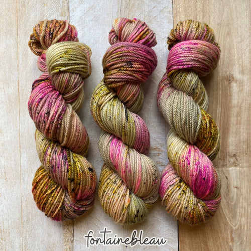 FONTAINEBLEAU by Louise Robert Design | MERINO WORSTED hand-dyed Variegated + Speckled yarn