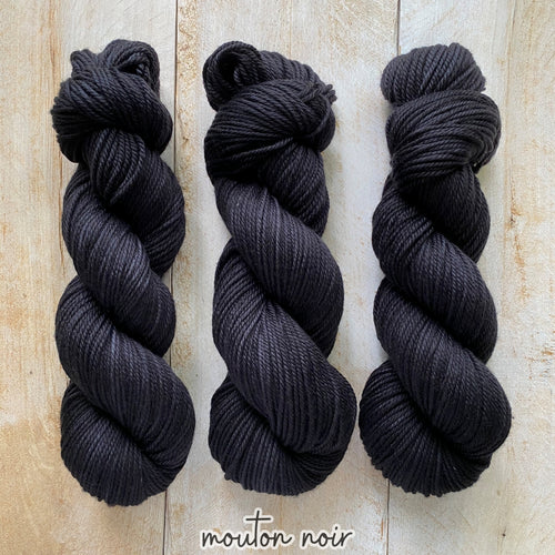 MOUTON NOIR by Louise Robert Design | MERINO WORSTED hand-dyed semi-solid yarn