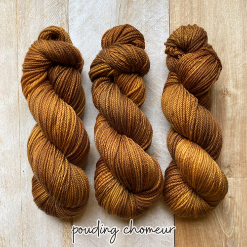 POUDING CHOMEUR by Louise Robert Design | MERINO WORSTED hand-dyed semi-solid yarn
