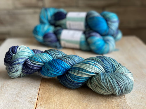 NYMPHÉAS by Louise Robert Design | DK PURE hand-dyed Variegated + Speckled yarn