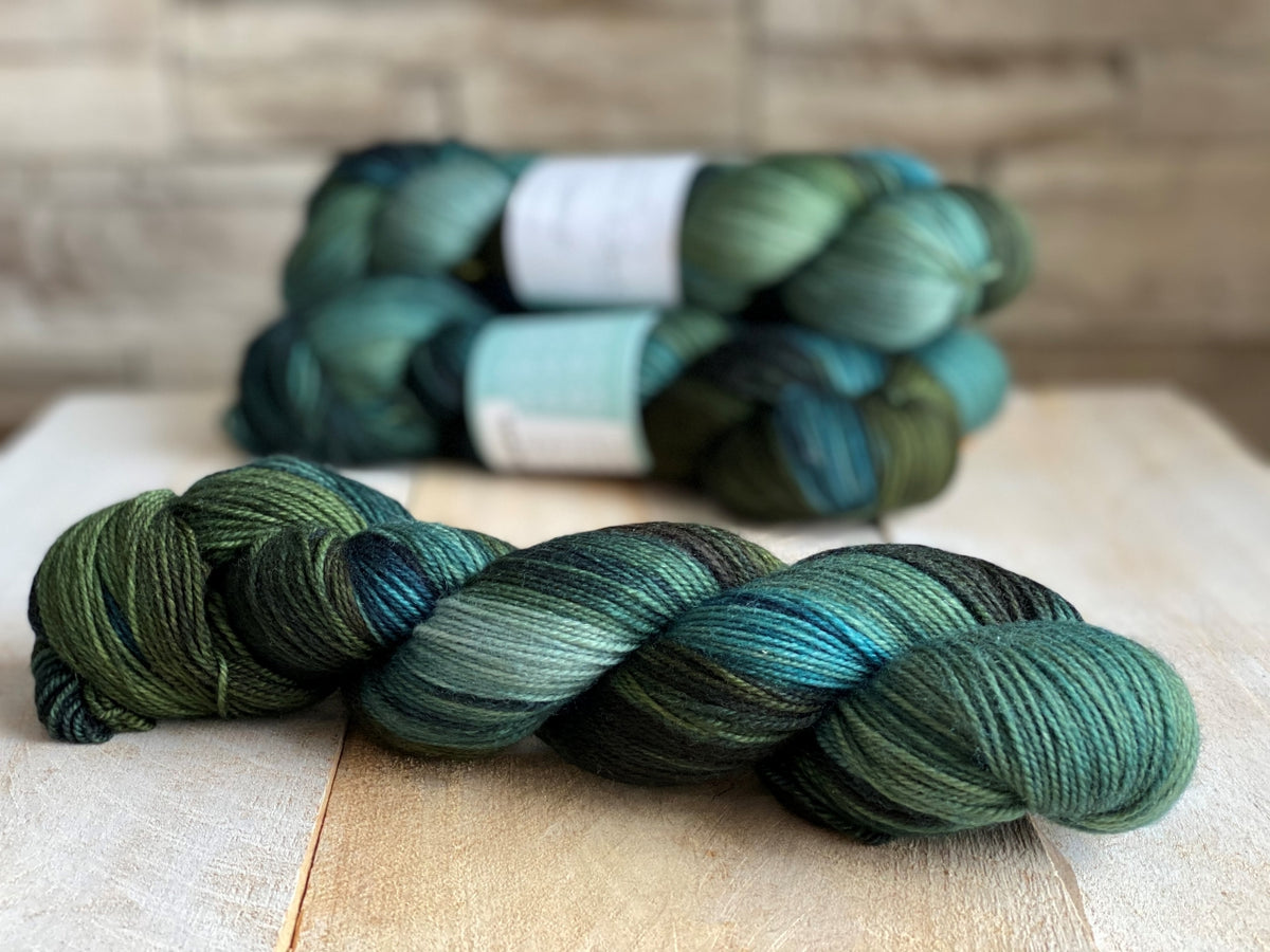 POSEIDON by Louise Robert Design | SUPER SOCK hand-dyed Variegated yarn