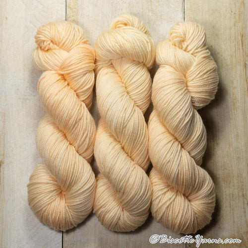 DK PURE | semi-solid dk weight yarn Porcelaine