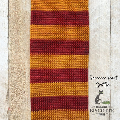 Harry potter yarn gryffindor scarf