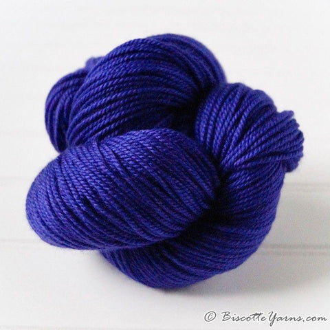DK PURE | semi-solid dk weight yarn Violette