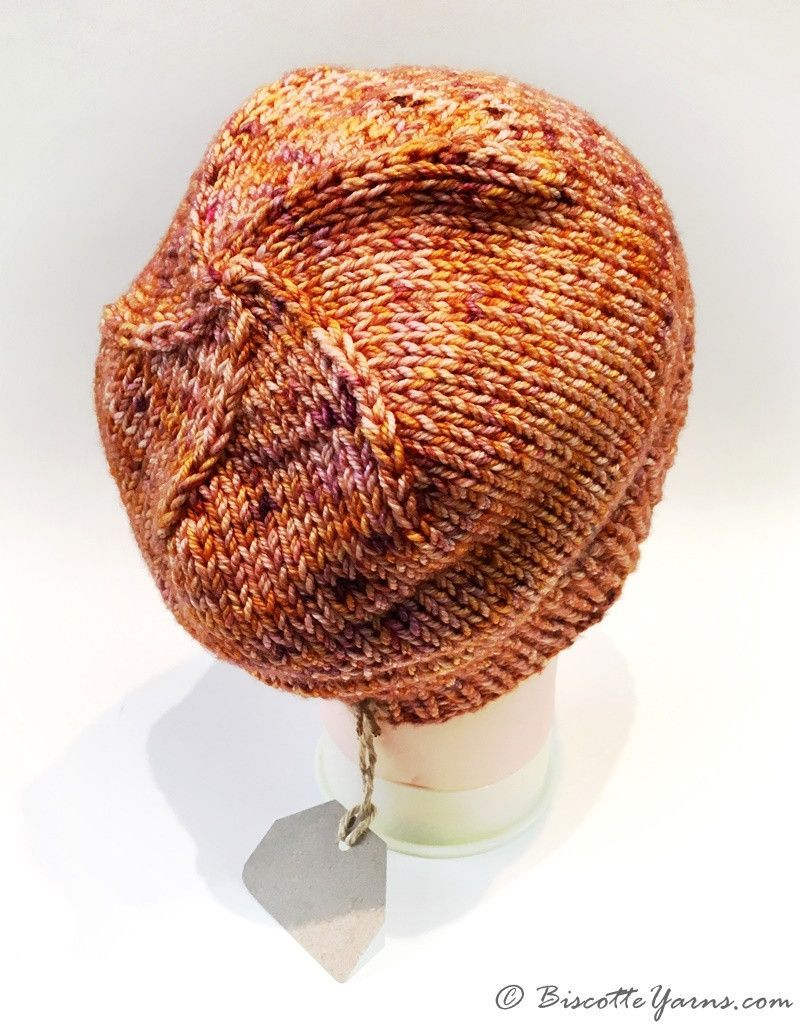 Camille's hat pattern with DK Pure yarn - Biscotte yarns
