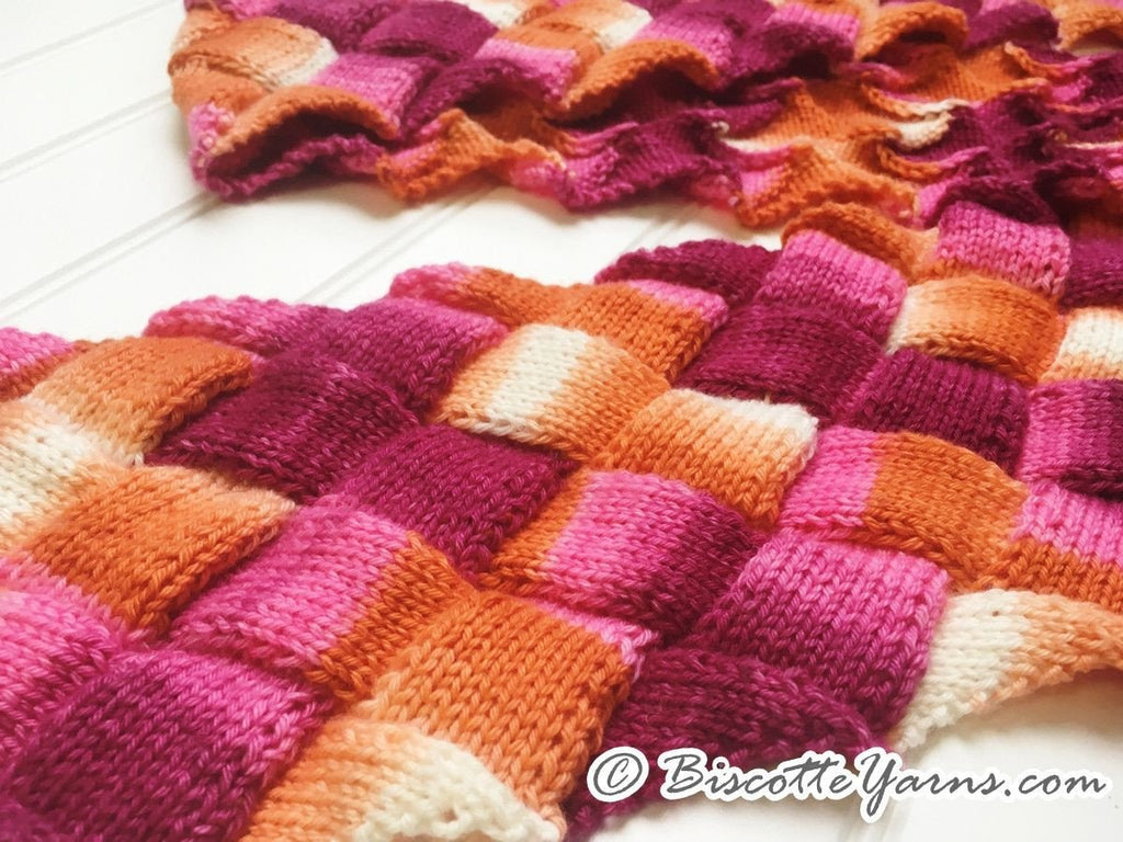 Entrelac scarf knitting pattern Biscotte