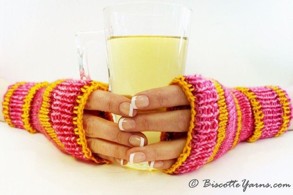 Learn to knit in the round with this Fingerless Mitts pattern - Biscotte yarns