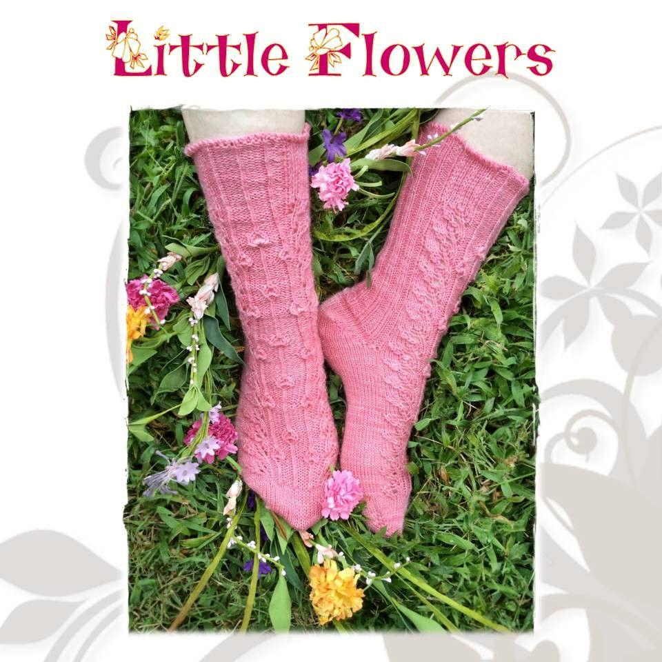 Sock pattern Little flowers - Biscotte yarns