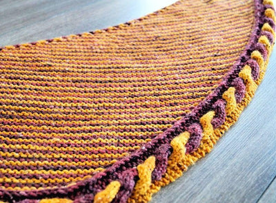 Golden Snitch Shawl knitting pattern - Biscotte yarns