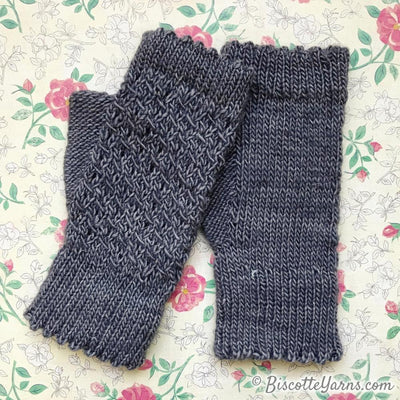 Old Friends | Fingerless mitts knitting pattern