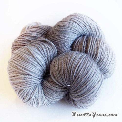 Sparkle yarn hand-dyed LUMOS - Gris Gris - Biscotte yarns