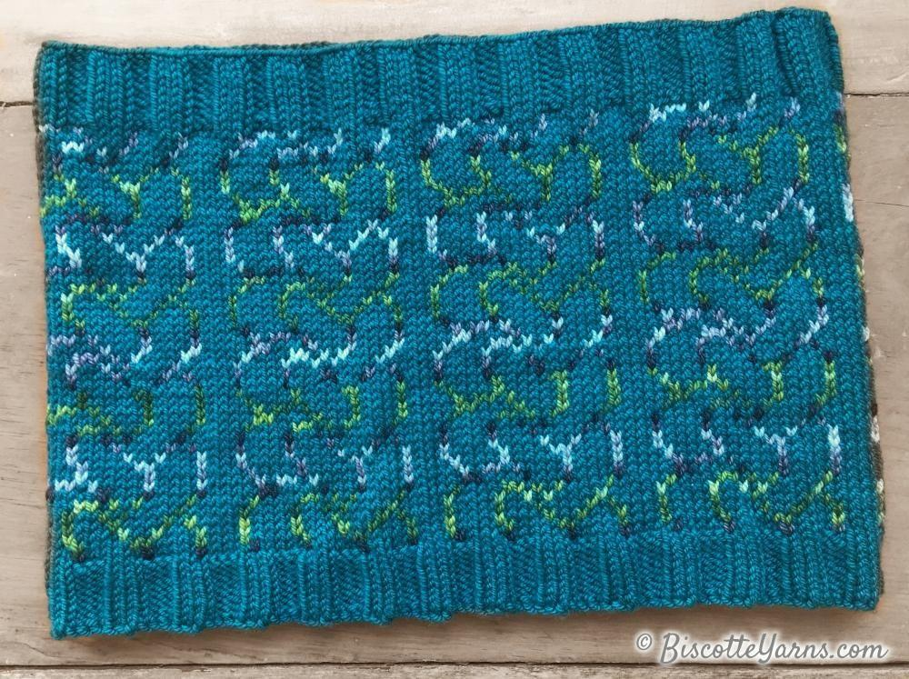 Knitting pattern Two Color Cowl