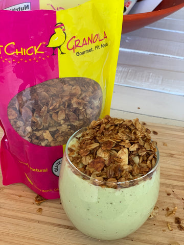 Green glow smoothie with FitChick Granola on top