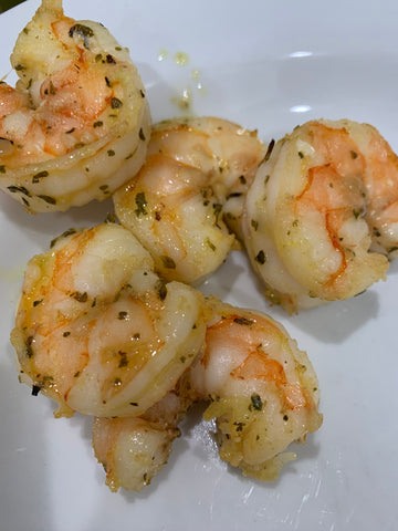 grilled shrimp with seasoning, shallots and olive oil