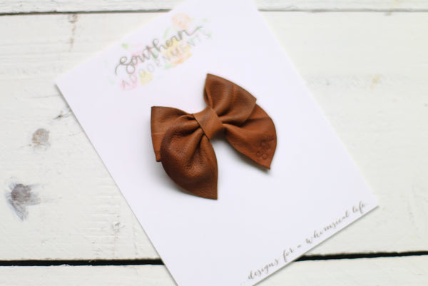 Marbled Brown Pull Up Leather Rue Style Bow