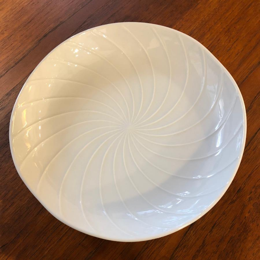 Hakusan Porcelain - White Shell Plate Series - 4 sizes - Whirlpool