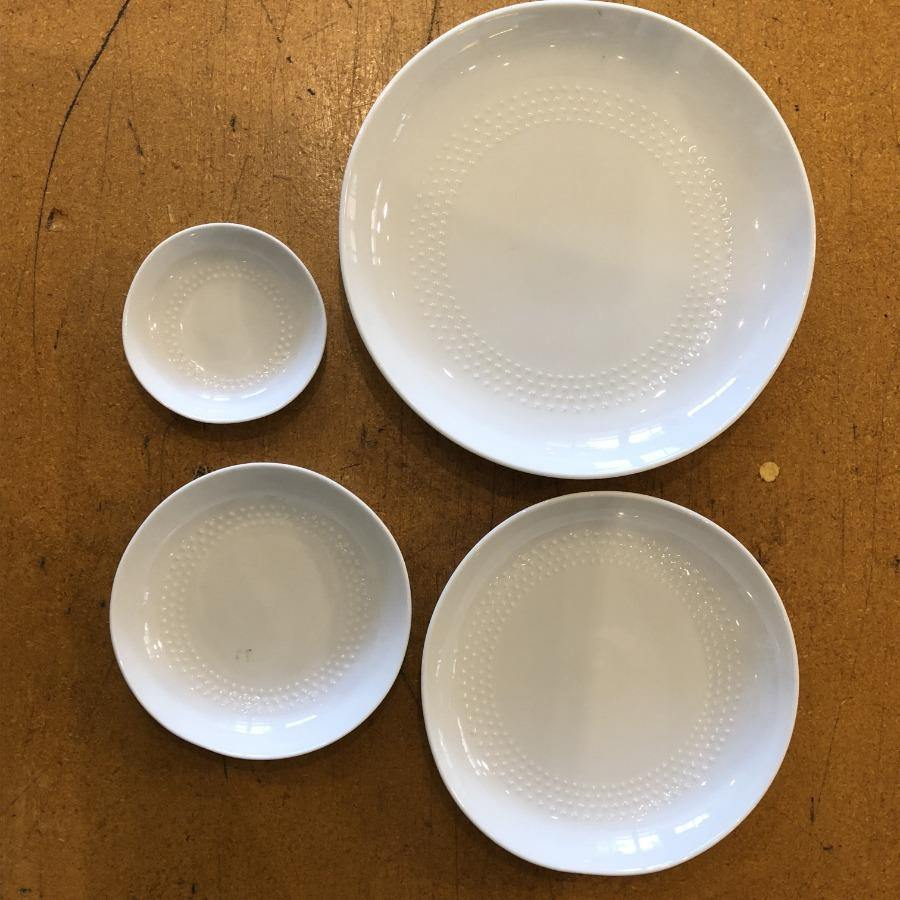 Hakusan Porcelain - White Shell Plate Series - 4 sizes - Circle Dot