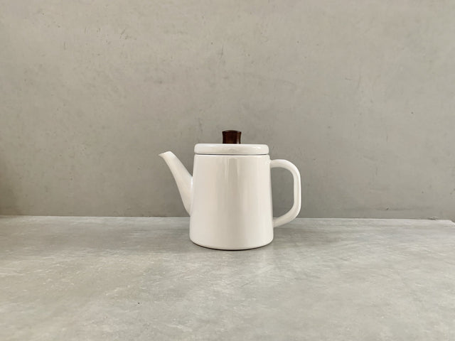 Pottle White - Enamel kettle