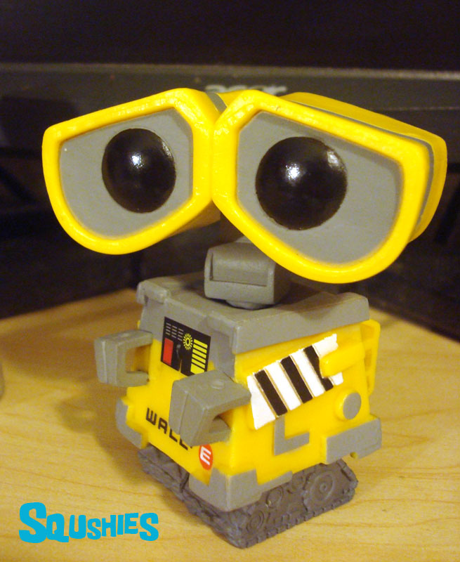 wall-e desk toy