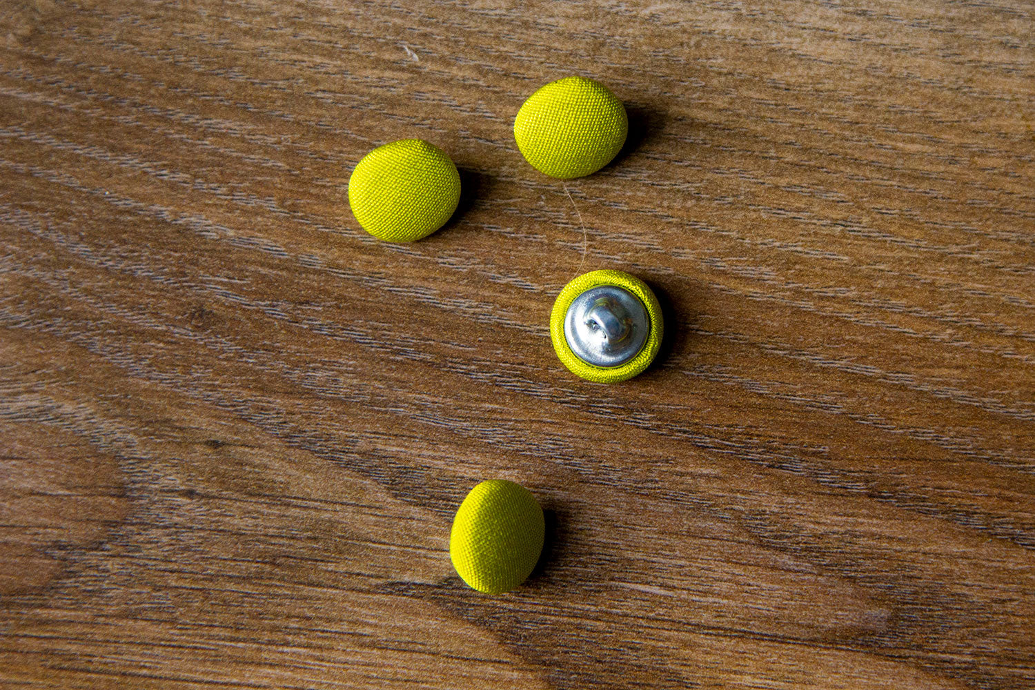 "1/2"" (1,3 cm) Lime Green Button"