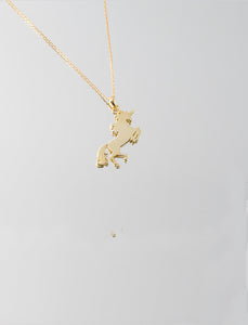 Unicorn pendant with chain