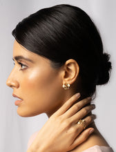 Load image into Gallery viewer, ZAHRA WHITE EARRING