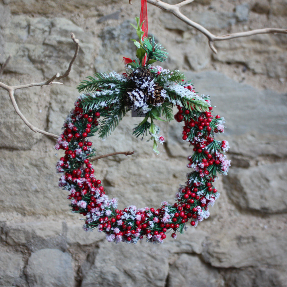 Red Snowy Wreath