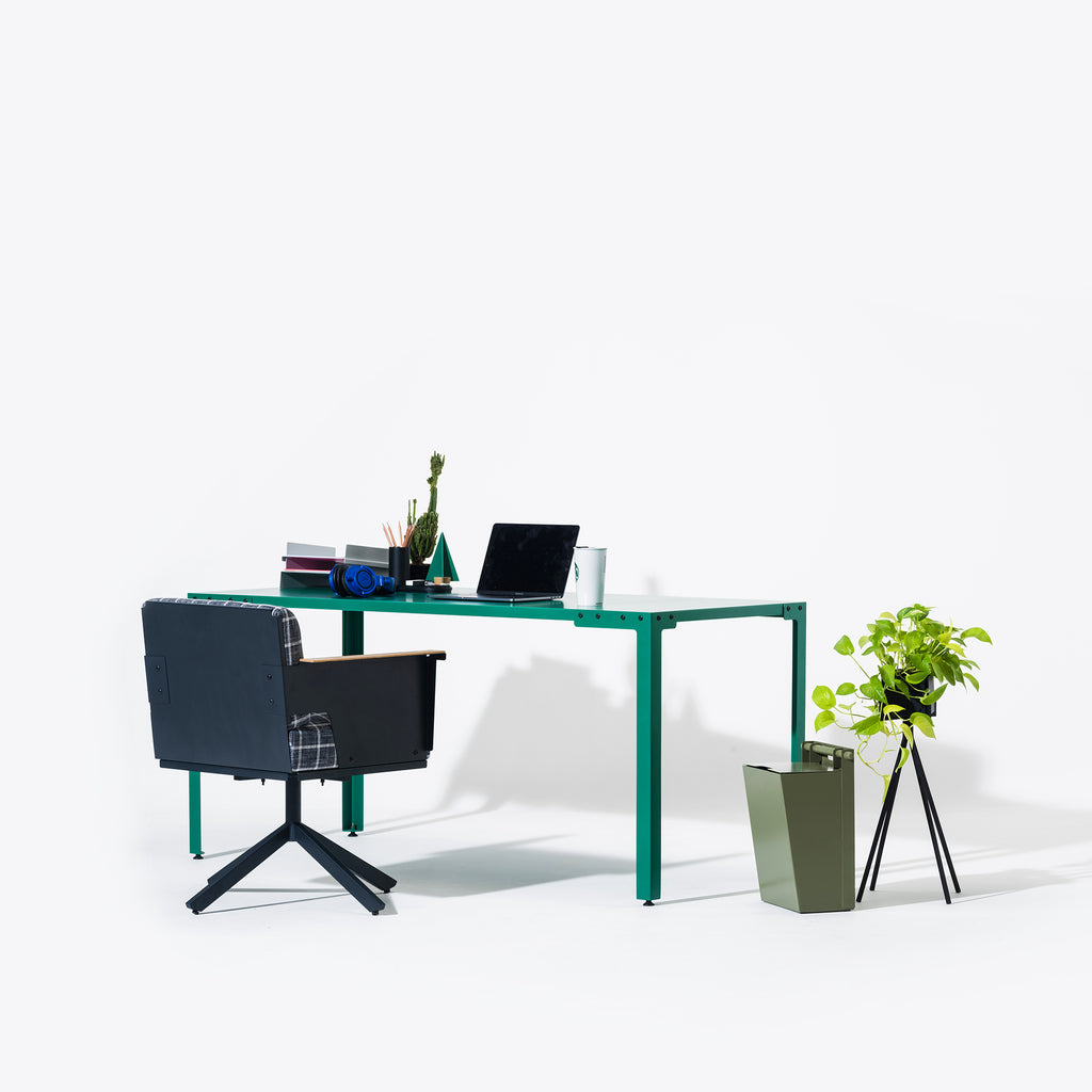 Cole Extenso Study Table
