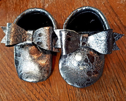 Metallic moccs