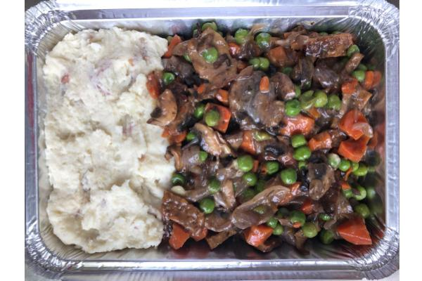 Mushroom Bourguignon with Tofu, Carrots, Peas and Creamy Mashed Potatoes (Main 2)