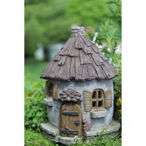 Nutty Nook Cottage w/ hinged door