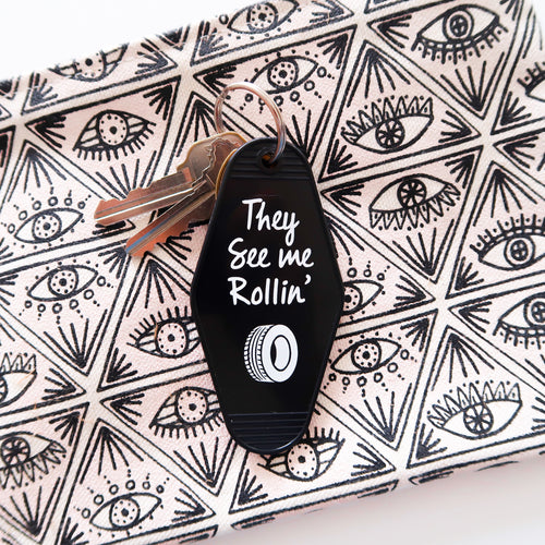 they see me rollin | key tag (black)
