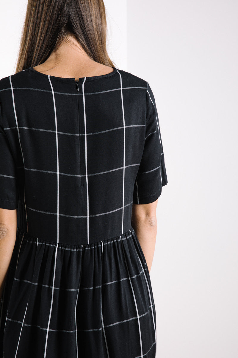 The Summer Grid Dress in Black