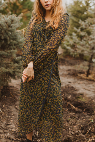 The Darrow Floral Collared Tie Front Dress in Rust