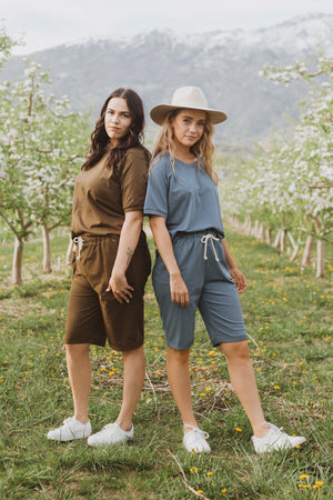 Piper & Scoot: The Kit Casual Top in Hunter Green