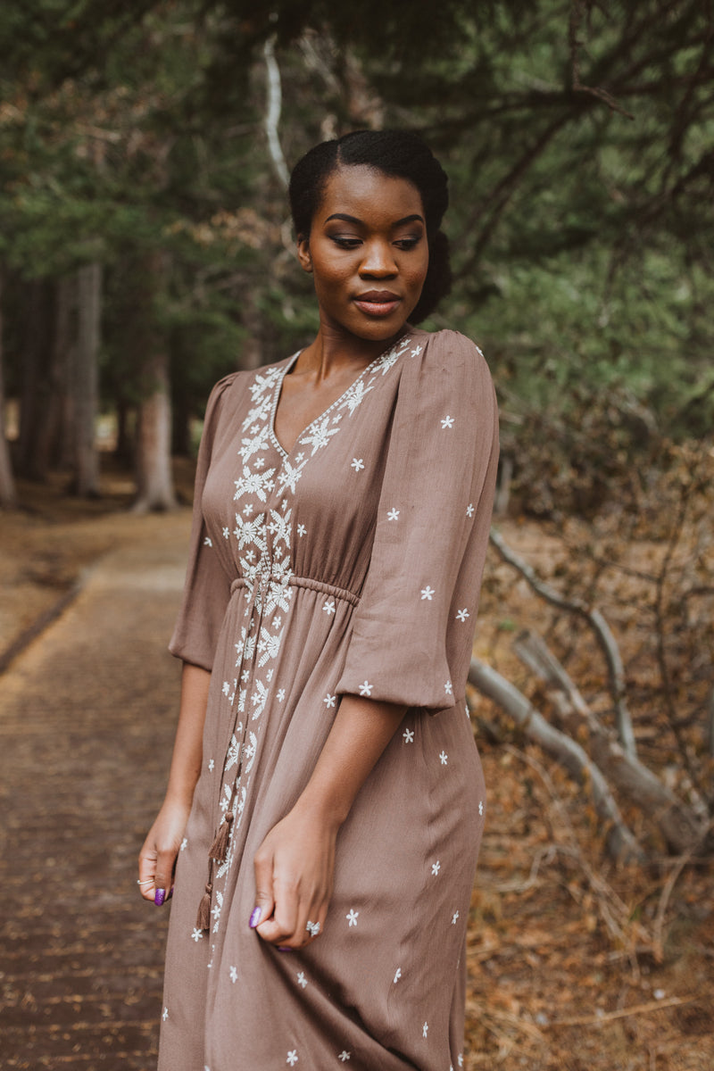 Piper & Scoot: The Alida Dress in Brun, lifestyle shoot; front view