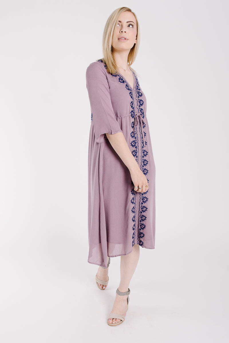 Piper & Scoot: The Cocinera Embroidered Dress in Lavender