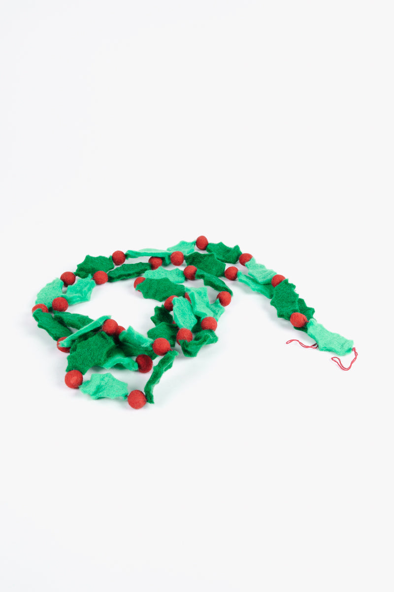 "HOLIDAY: Paper Source 120"" Holly Felt Garland"