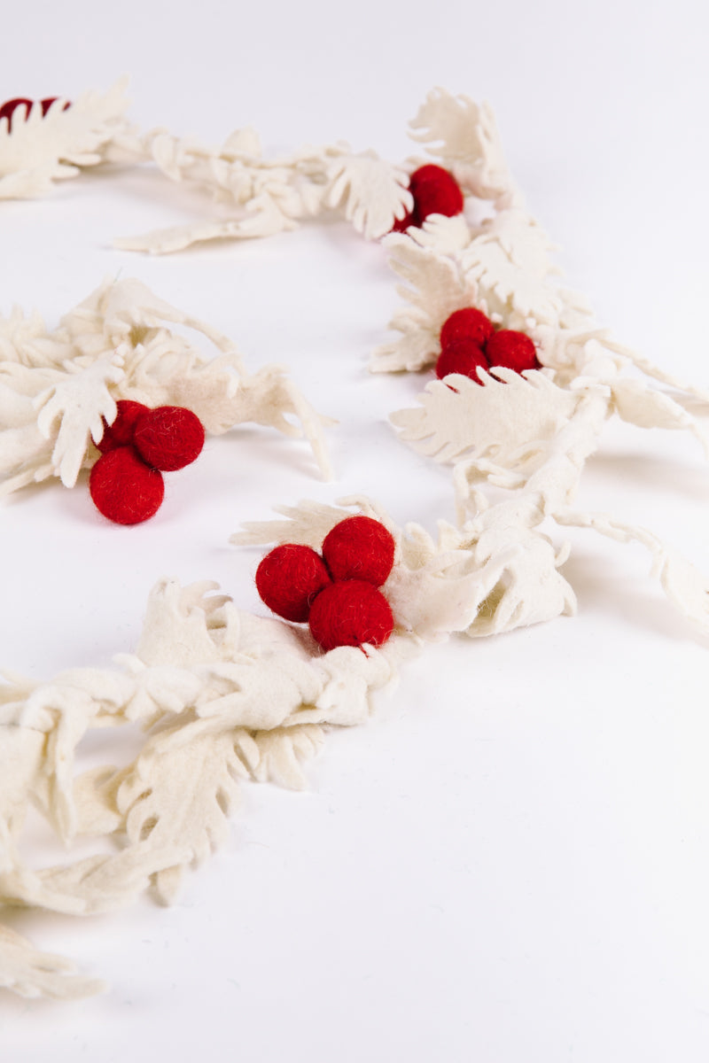 HOLIDAY: Wool Holly & Berry Garland