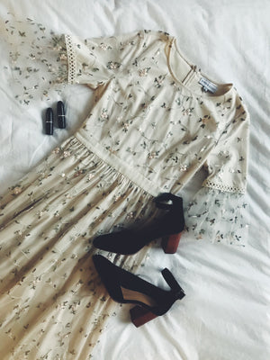 The Illusion Floral Delicate Lace Dress in Ivory