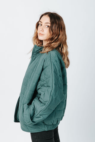 The Wyatt Reversible Vest in Hunter Green
