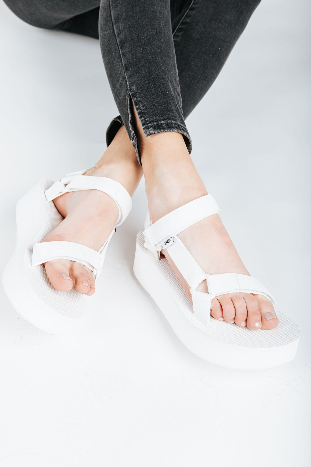 Teva: Flatform Universal in Bright White, studio shoot; front view