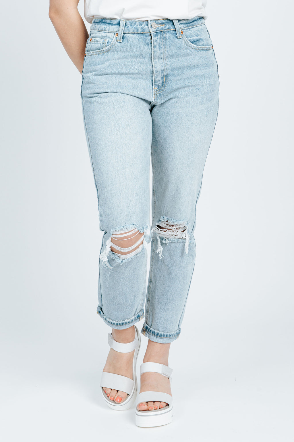 The Billie Boyfriend Jean in Medium Denim Wash, studio shoot; front view