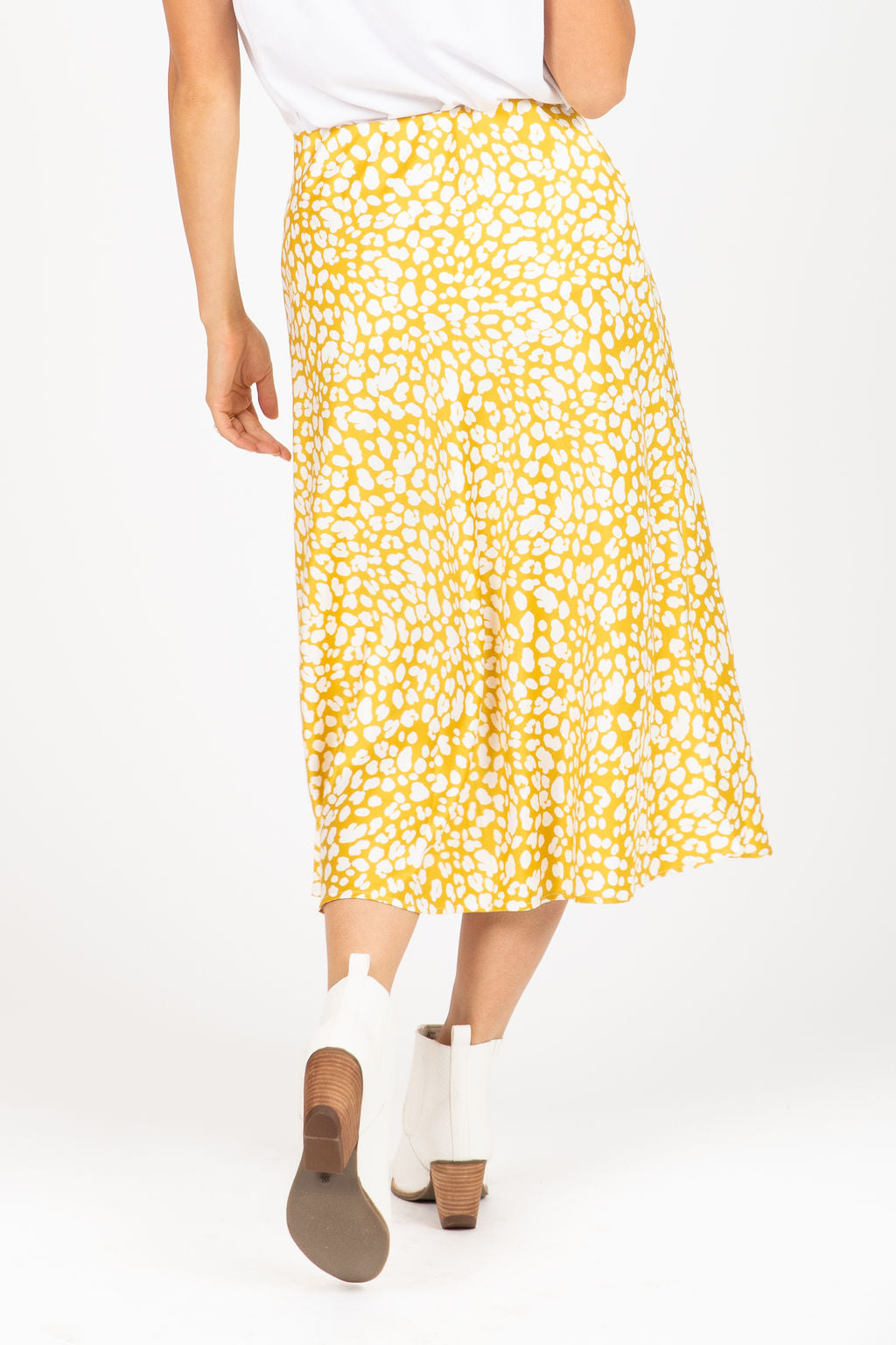 The Katia Leopard Print Midi Skirt in Golden