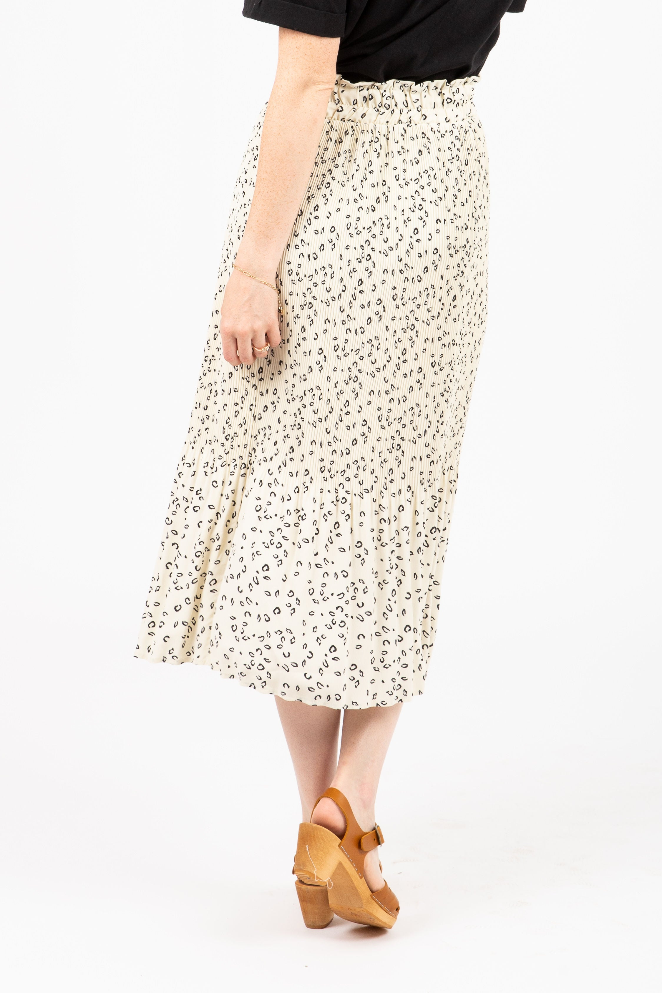 The Amaze Pleated Midi Skirt in Animal Print