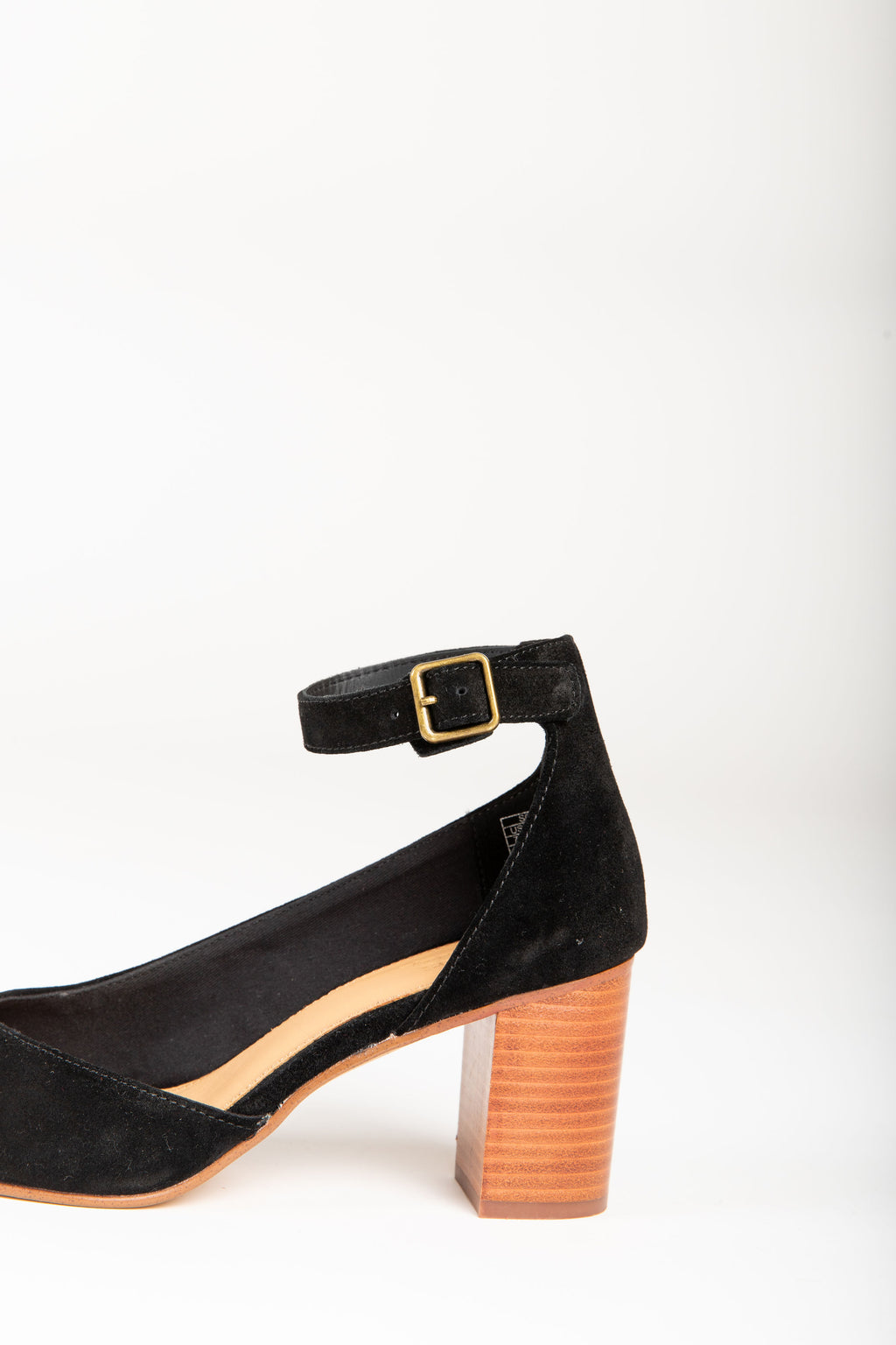 Soludos: Gemma Heel in Black, studio shoot; side view