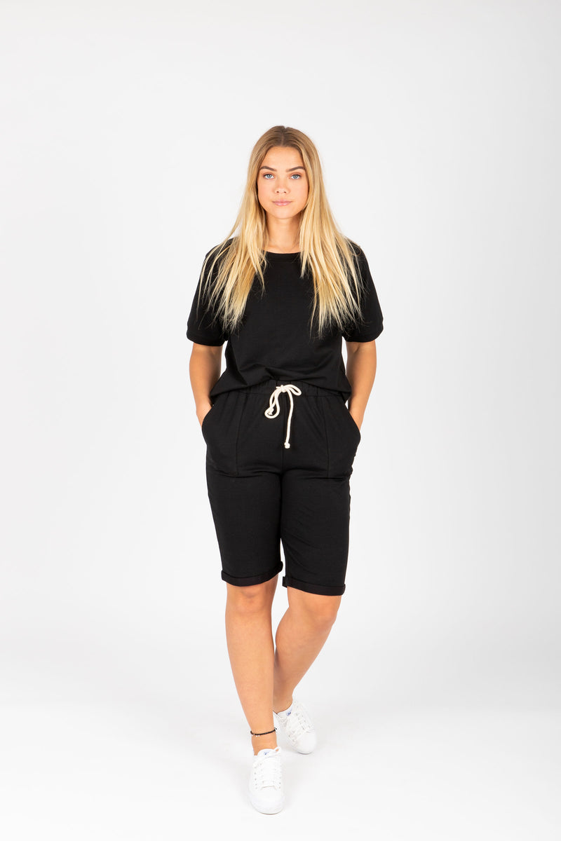 Piper & Scoot: The Kit Casual Top in Black