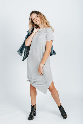 The Fran Basic Crop Tank in Light Grey